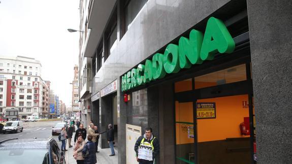 Se Necesita en MERCADONA Personal de Supermercado para el FIN DE SEMANA en BILBAO en Bizkaia
