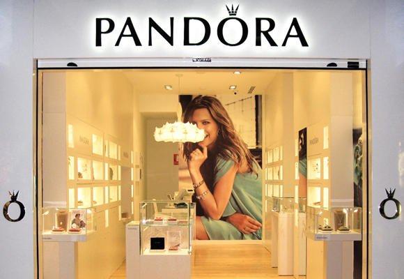 Se Necesita Dependiente/a para PANDORA en Boutique Colón en Valencia
