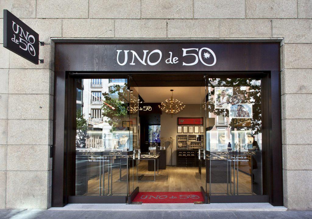 Se Necesita Dependiente/a para UNOde50 Alta Joyería en SEVILLA