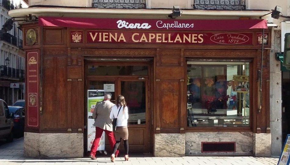 Se Necesita Camarero de Barra para Empresa VIENA CAPELLANES en Madrid