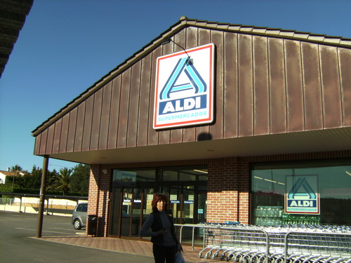 Se Necesita Colaborador/a Cajero/a de Tienda para Supermercado ALDI en Barakaldo en Bizkaia