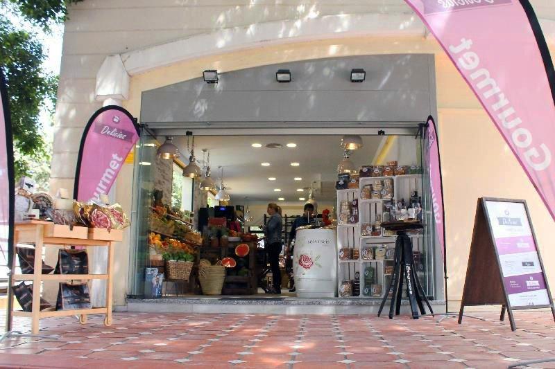 Se Necesita Dependiente/a para Tienda Gourmet en MARBELLA en Málaga
