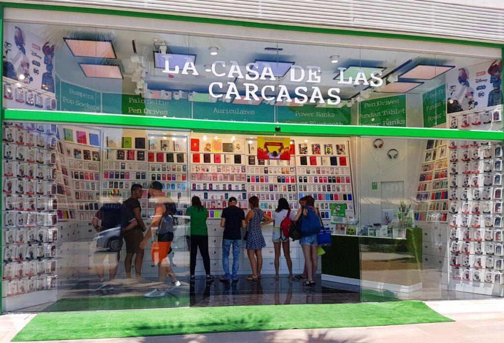 Se Necesita Dependiente/a para la CASA de LAS CARCASAS en el CC Fan Mallorca en PALMA DE MALLORCA